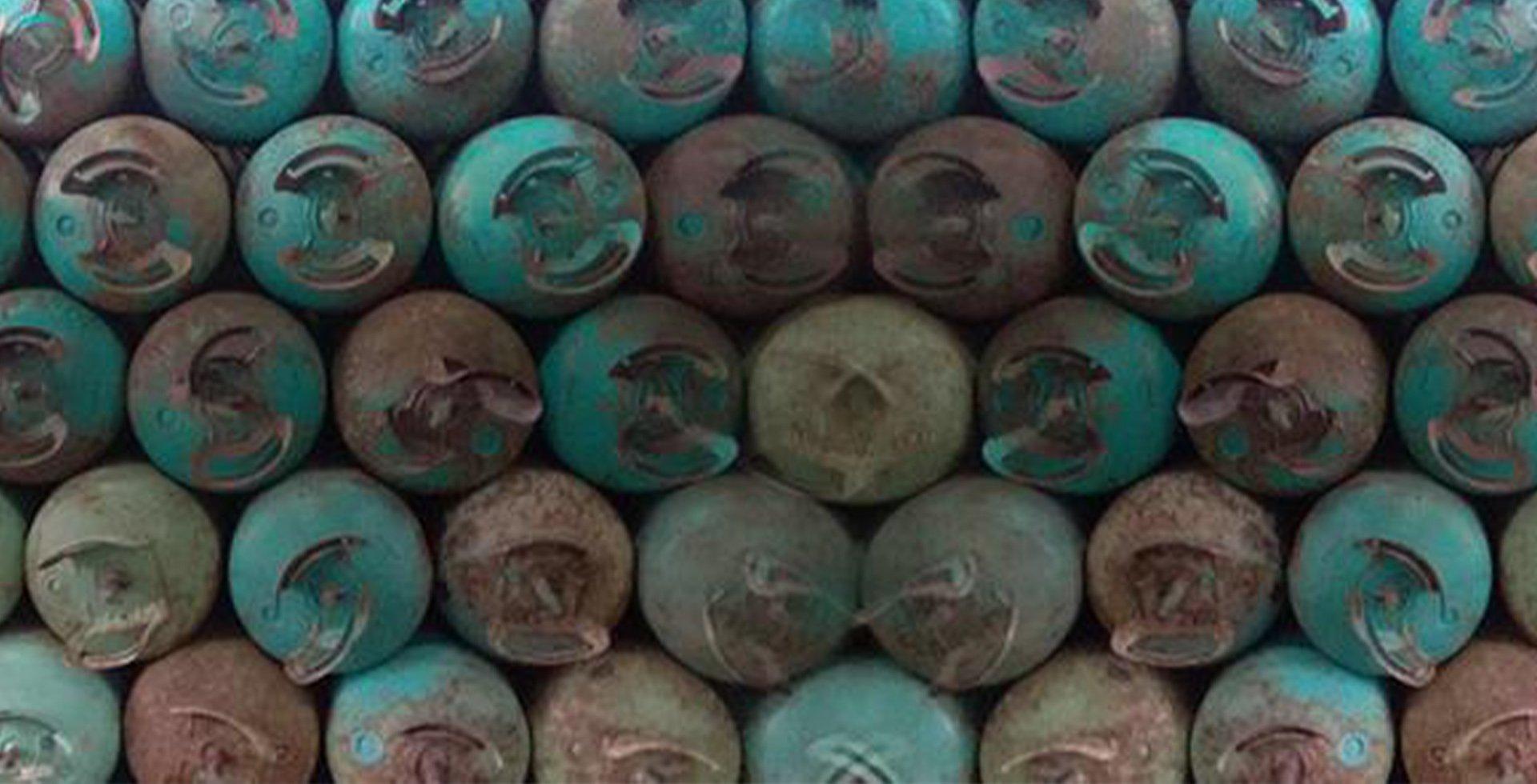 descarte de botija de gas refrigerante